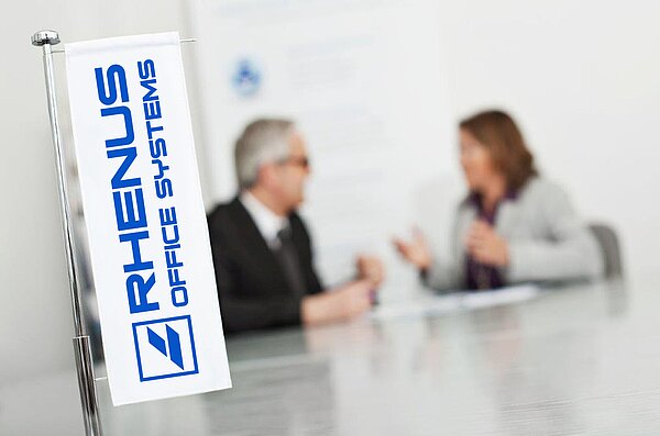 Table flag with Rhenus Office Systems logo